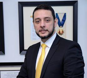 """Showroom Global """"te brinda presencia internacional desde la comodidad tu lugar de origen"""" Juan Caballero CEO"""