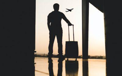 Prevé American Airlines regreso de los viajes de negocios