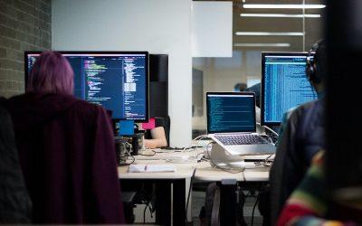Escasez de perfiles laborales en tecnología es del 48 % en América Latina